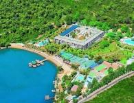 crystal green bay resort 01