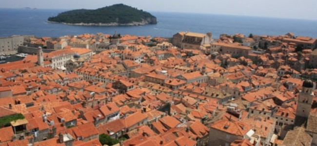 Dubrovnikas – rojaus kampelis Adrijos jūros pakrantėje