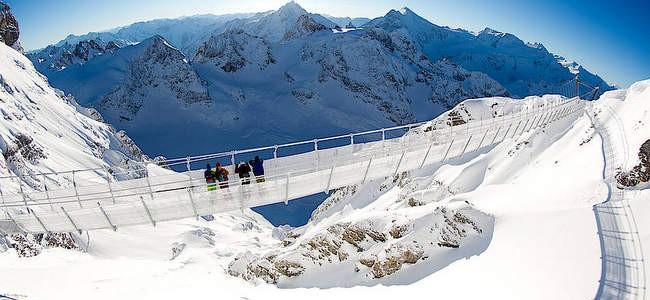 Atrakcija Šveicarijos Engelbergo mieste – aukščiausiai Europoje kabantis Titlio tiltas