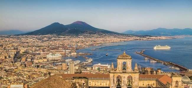 Neapolis: kada keliauti, ką pamatyti, kokių lauktuvių parvežti