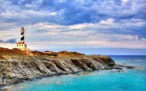 Menorka: smėlėti paplūdimiai, kokybiškas poilsis ir pažintis