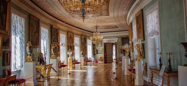 Pavlovsko rūmai Sankt Peterburge: įspūdingas XVIII a. parko ir rūmų ansamblis