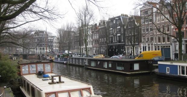 Įdomūs faktai ir patarimai keliaujantiems į Amsterdamą