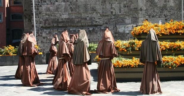 vienuoliai