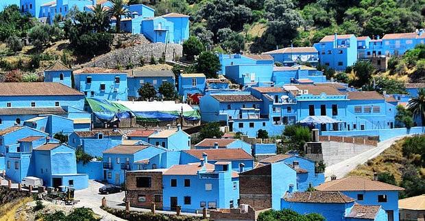 Juskaras - tikras Smurfų kaimelis Andalūzijoje