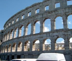 Kroatija. Pulos miesto įžymybė – tūkstančius metų skaičiuojantis romėnų amfiteatras