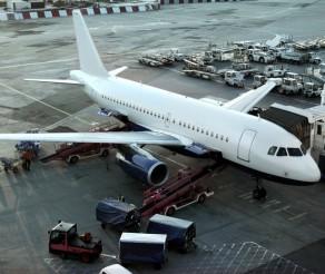Kelionės lėktuvu: kaip išvengti nesklandumų?