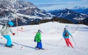 Slidinėjimas Švedijoje: 4 šeimoms draugiški slidinėjimo kurortai
