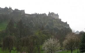 Edinburgo pilis – šimtmečius skaičiuojantis miesto simbolis