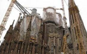 Šv. Šeimynos (Sagrada Familia) bažnyčia Barselonoje – kerintis Antoni Gaudi šedevras