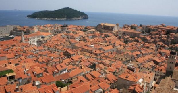 Dubrovnikas - rojaus kampelis Adrijos jūros pakrantėje
